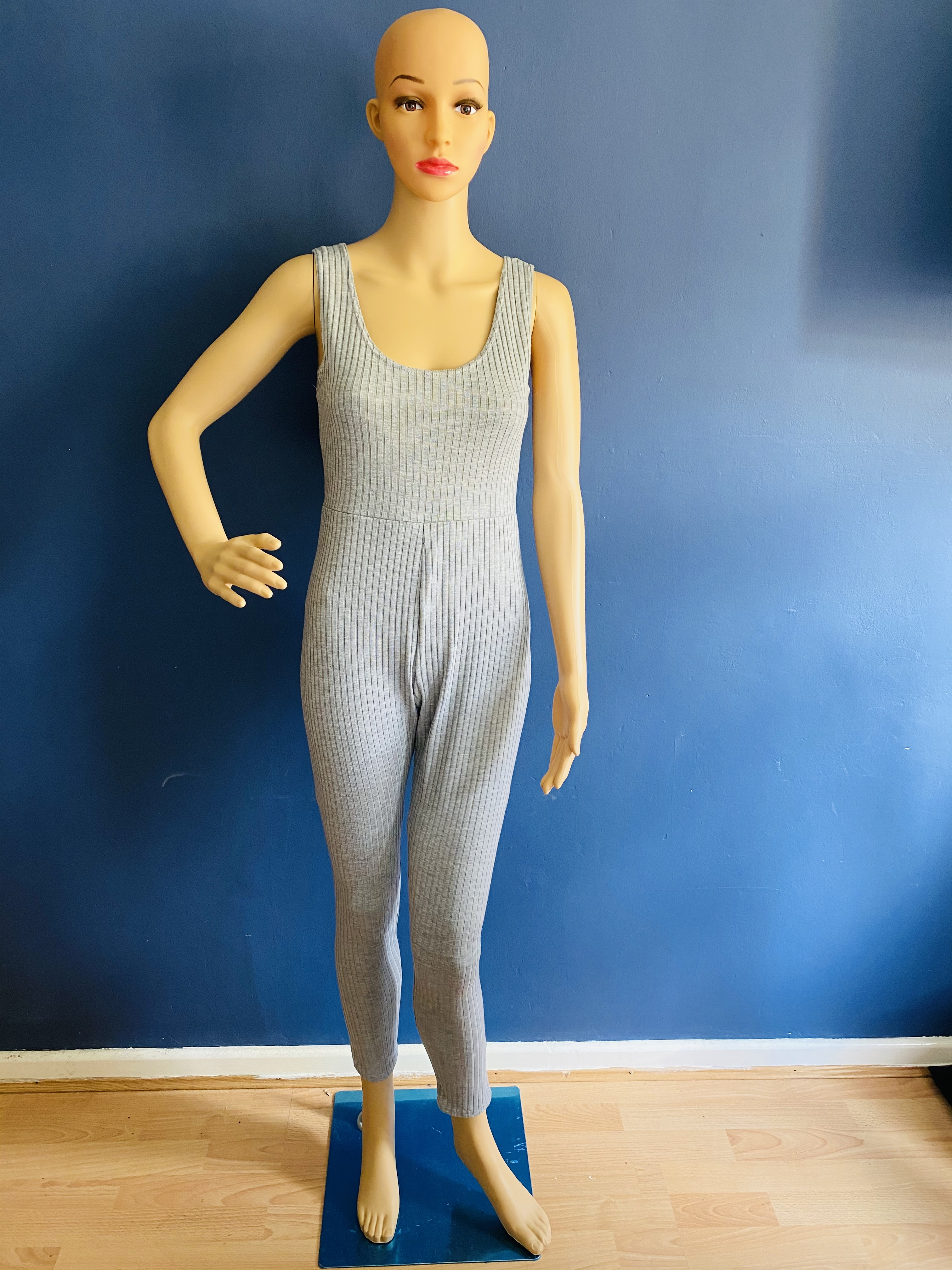 Grey ribbed strap jumpsuit sizes available 6 8 10